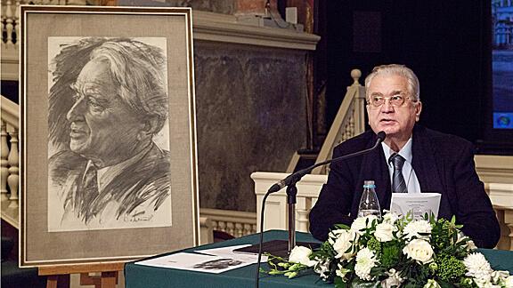 М.Б.Пиотровский на чтениях памяти Б.Б.Пиотровского
